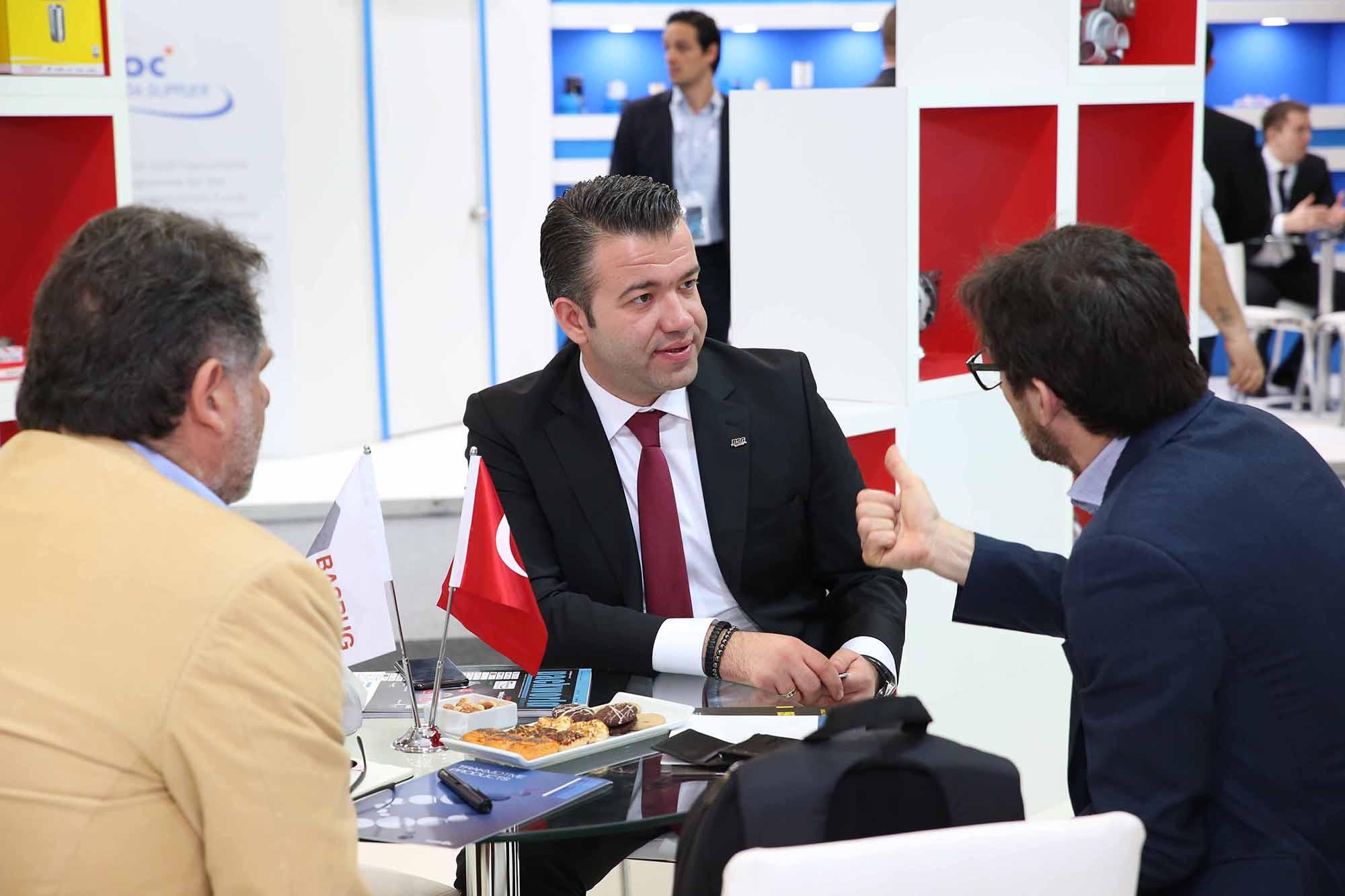 <p>BSG Auto Parts,Automechanika İstanbul 2018'i oldukça yüksek katılımla bitirdi. Gerek stant tasarımı, gerekse yapılan aktivitelerle katılımcıların odak noktalarından biri oldu. BSG Auto Parts markasına, Türkiye'den ve Dünyanın birçok ülkesinden katılımcılar büyük beğeni ve ilgi gösterdi.</p>  <p>13.000'den fazla ürün referansıyla, dünyanın 5 ülkesinden kaliteli ve güvenilir ürünlerini müşterileriyle buluşturan marka mevcut ve potansiyel iş ortaklarıyla; verimli ve etkili görüşmeler sağladı.</p>